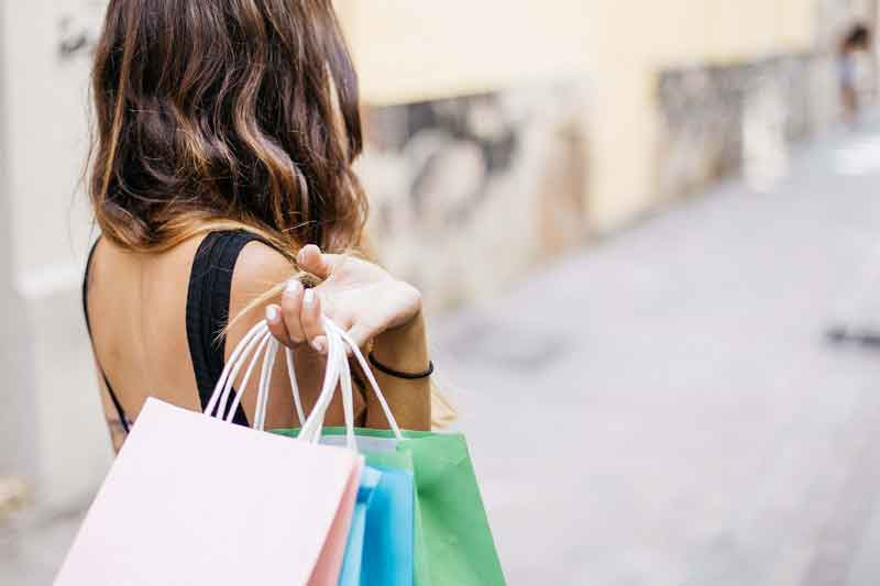 Managing Shopping Addiction During The Holidays
