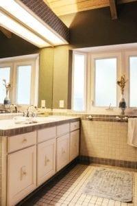 Residence Bathroom Hawaii Island Recovery