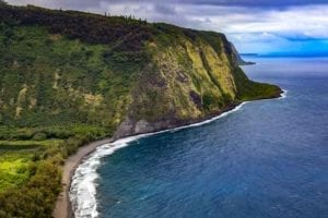 Hike in Pololu Valley