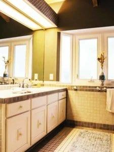 Bathroom | 8 Bed Residence | Hawaii Island Recovery