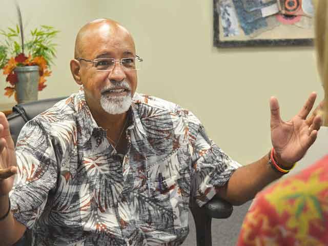 Fernando Manon providing EMDR treatment at Hawaii Island Recovery