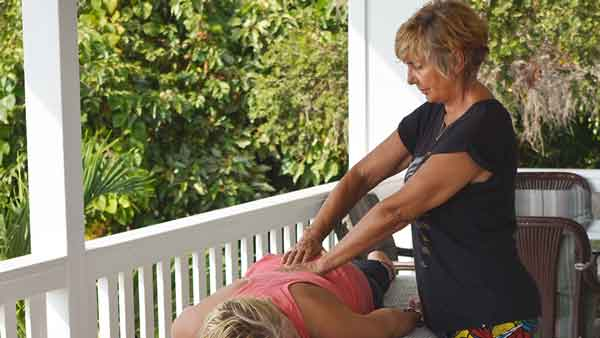 Reiki As a Part of Holistic Health Services